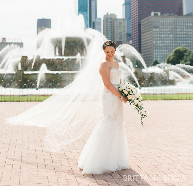 Buckingham Fountain and Bride